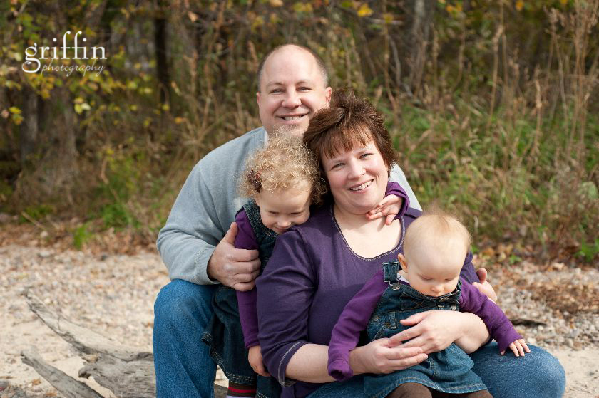 Baraboo family photographer captures the family.