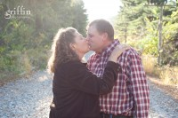 Griffin photography wiscsonsin lifestyle photographer ~ couple kissing at Devil's lake.