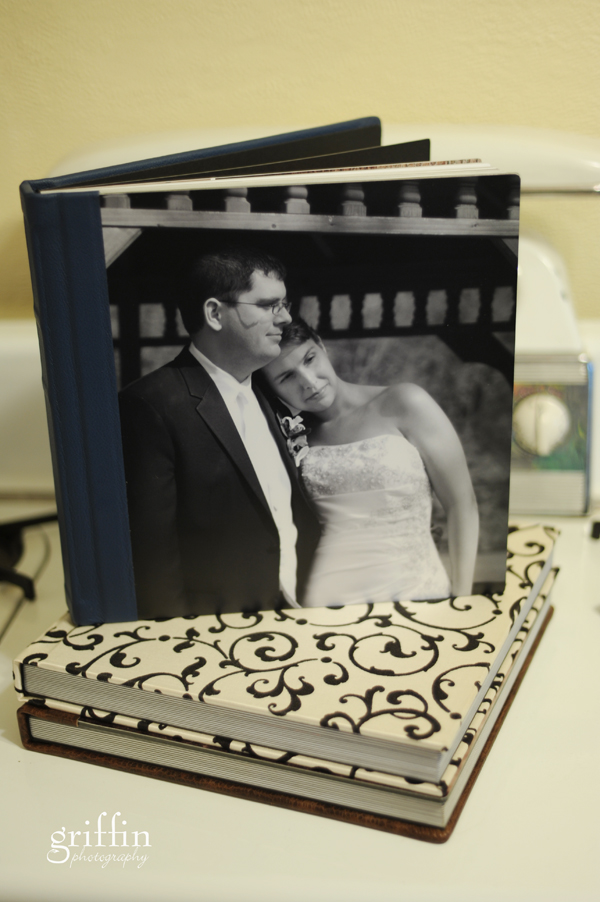 Finao wedding album with Armour cover and Wedgewood leather.
