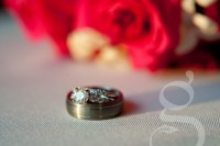 Macro shot of the wedding rings.
