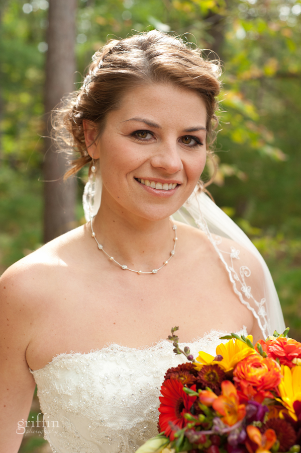Beautiful Jenelle with her gorgeous Wild Apples fall bouquet.
