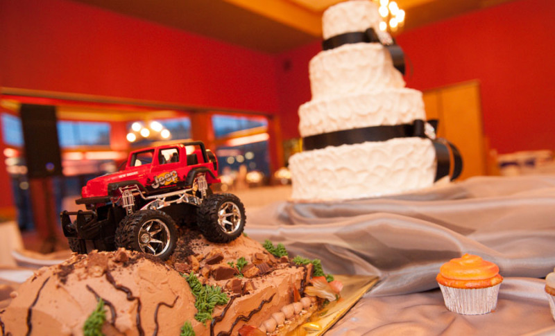 Jeep wedding cake, groom's version