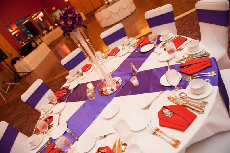 Glacier Canyon Lodge Wis Dells purple and orange table setup.