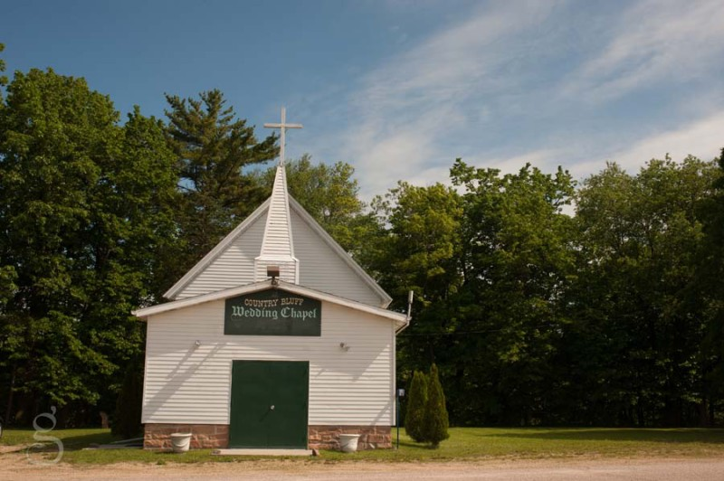 Country Bluff wedding chapel outside of Baraboo Wisconsin.