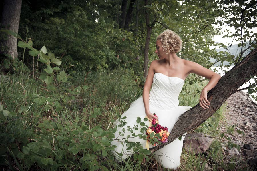 rustic bride diy flowers fallen tree