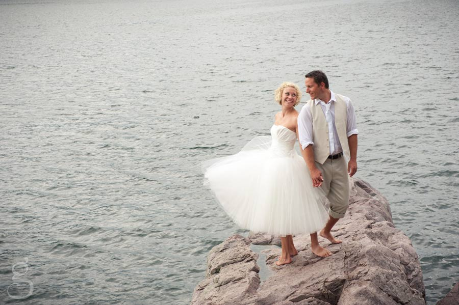flouncy tulle short wedding dress.