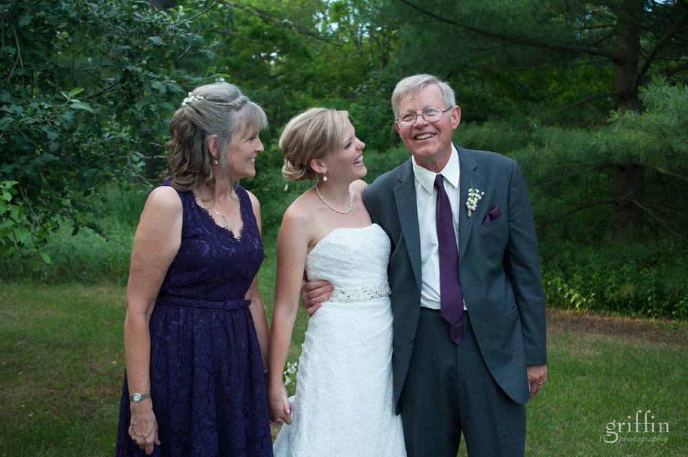 the bride and her parents
