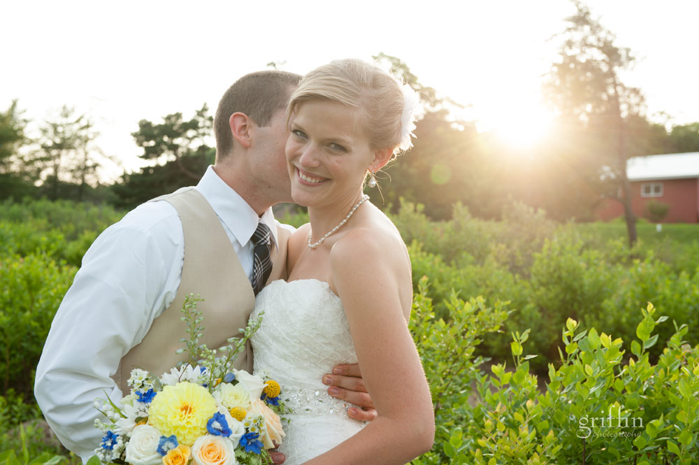 golden glow sunset bride and groom